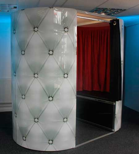 deluxed wedding booth for hire